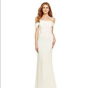 NWT. Gorgeous Calvin Klein Off Shoulder White Gown